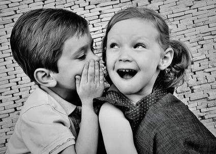kids-telling-secrets